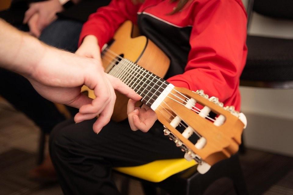 Comment accompagner votre enfant dans son apprentissage de la musique ?
